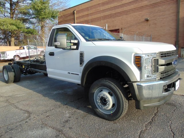 2018 F-450 Regular Cab DRW 4x4,  Cab Chassis #185428F - photo 3