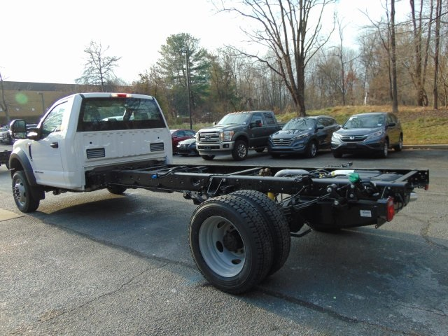 2018 F-450 Regular Cab DRW 4x4,  Cab Chassis #185428F - photo 2