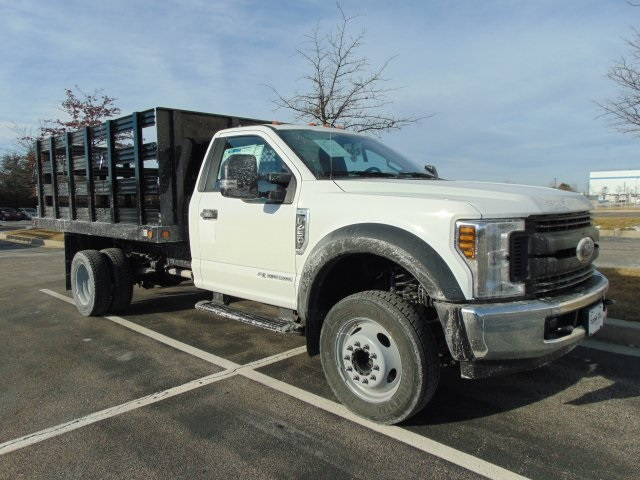 2018 F-450 Regular Cab DRW 4x2,  Reading Stake Bed #185496F - photo 3