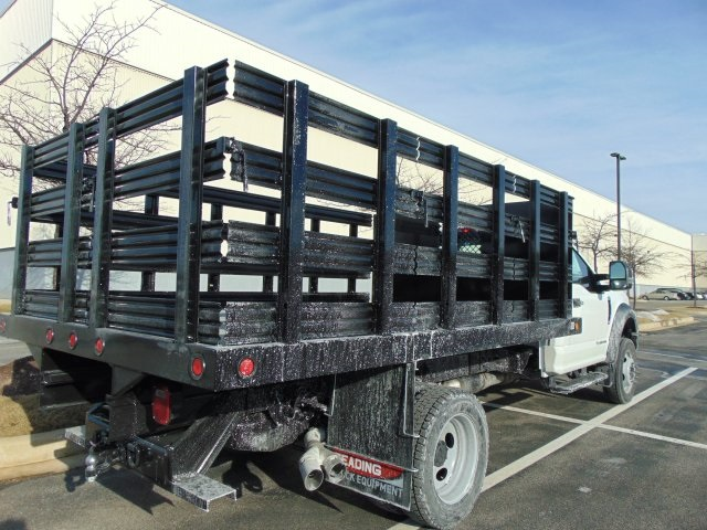 2018 F-450 Regular Cab DRW 4x2,  Reading Stake Bed #185496F - photo 7