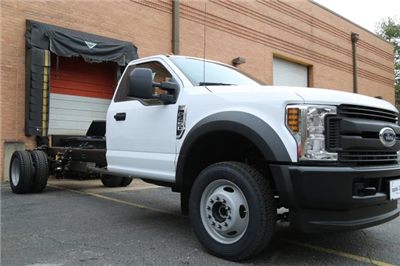 2018 F-450 Regular Cab DRW 4x4,  Cab Chassis #185509F - photo 2