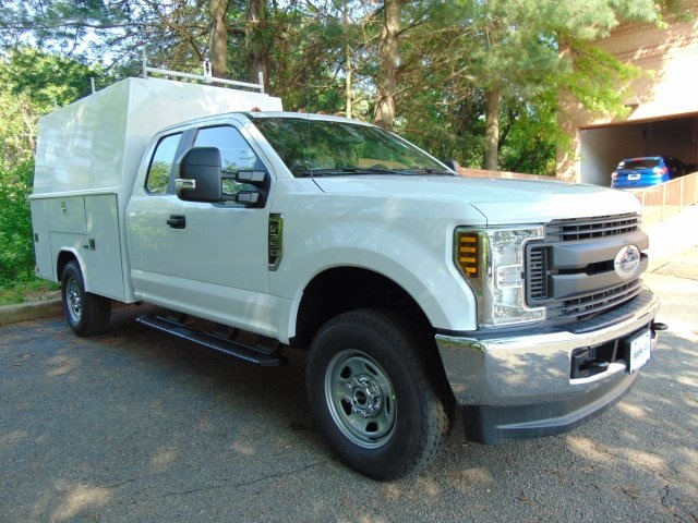 2018 F-350 Super Cab 4x4, Reading Service Utility Van #186159F - photo 3
