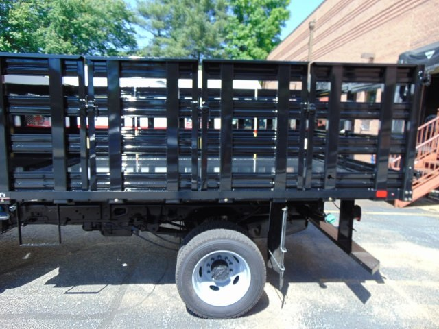 2018 F-450 Regular Cab DRW 4x2,  PJ's Truck Bodies & Equipment Stake Bed #186220F - photo 9