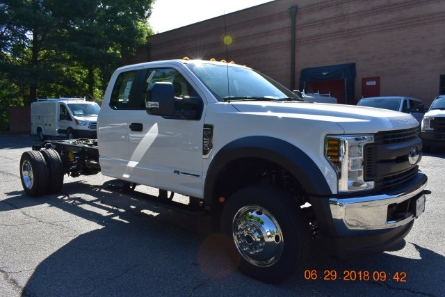 2018 F-450 Super Cab DRW 4x4,  Cab Chassis #186461F - photo 3