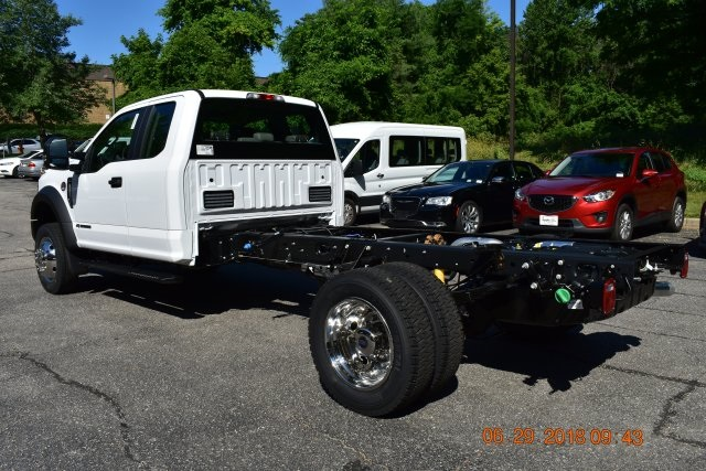 2018 F-450 Super Cab DRW 4x4,  Cab Chassis #186461F - photo 2