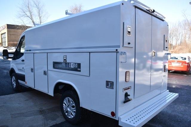 reading equipment service utility vans bowmansville pa. Black Bedroom Furniture Sets. Home Design Ideas