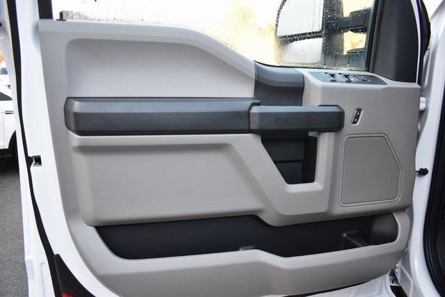 2020 Ford F-350 Super Cab 4x4, Reading Panel Service Body #207099F - photo 17