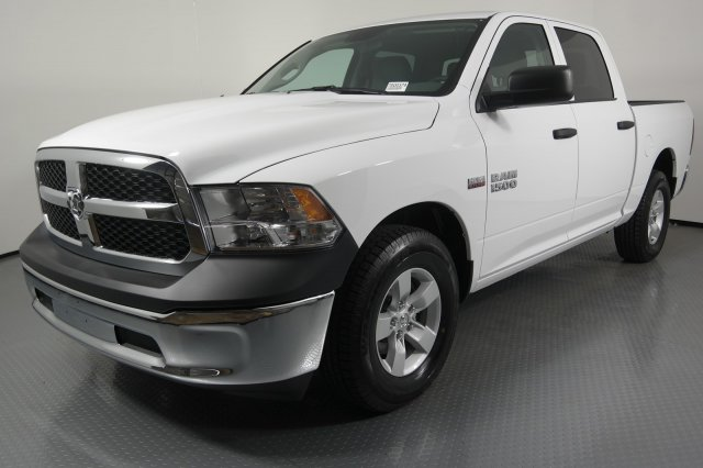 2017 Ram 1500 Crew Cab Pickup #7D00374 - photo 3