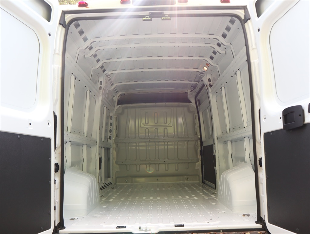 2018 ProMaster 2500 High Roof FWD,  Empty Cargo Van #8D00091 - photo 3
