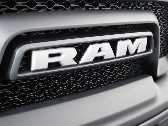 2018 Ram 1500 Crew Cab Pickup #8D00207 - photo 3