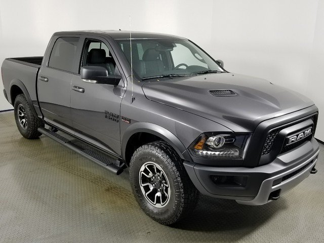2018 Ram 1500 Crew Cab 4x4, Pickup #8D00250 - photo 3