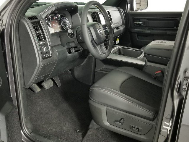 2018 Ram 1500 Crew Cab 4x4, Pickup #8D00250 - photo 6