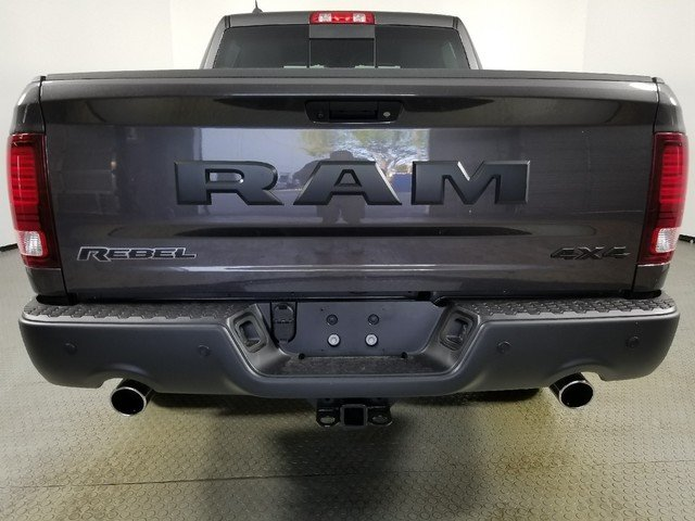 2018 Ram 1500 Crew Cab 4x4, Pickup #8D00250 - photo 2