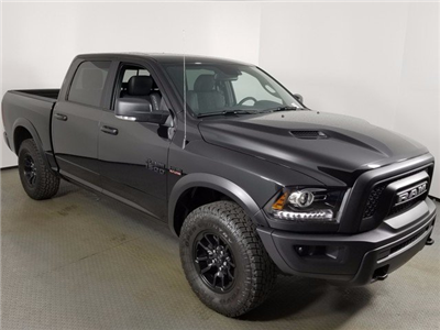 2018 Ram 1500 Crew Cab, Pickup #8D00285 - photo 3