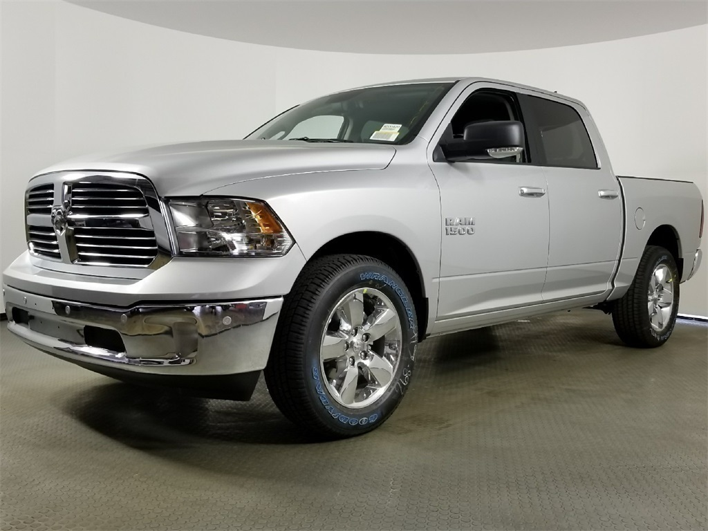 2018 Ram 1500 Crew Cab 4x2,  Pickup #8D00420 - photo 5