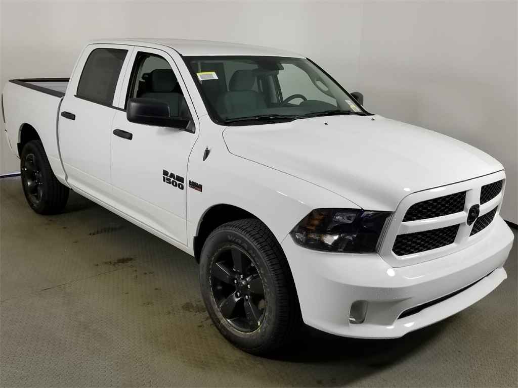 2018 Ram 1500 Crew Cab 4x4,  Pickup #8D00423 - photo 3
