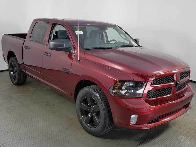 2018 Ram 1500 Crew Cab, Pickup #8D00502 - photo 3