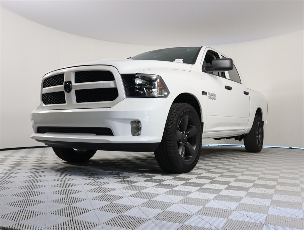 2018 Ram 1500 Crew Cab 4x2,  Pickup #8D00547 - photo 1