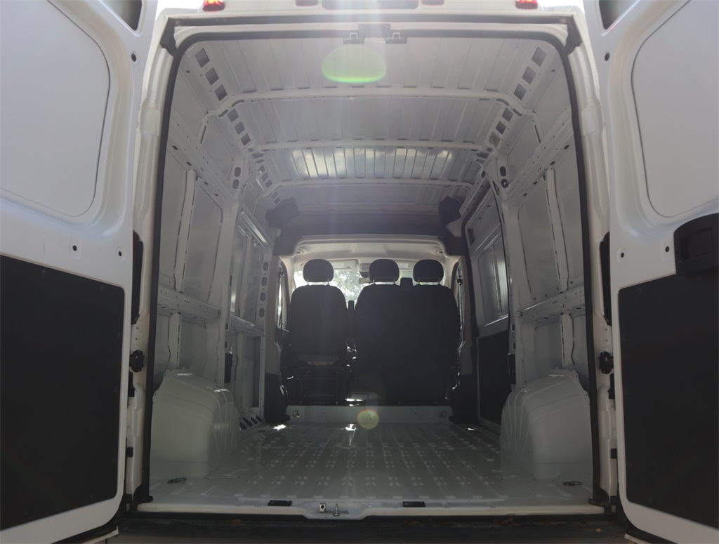2018 ProMaster 2500 High Roof FWD,  Empty Cargo Van #8D00585 - photo 2