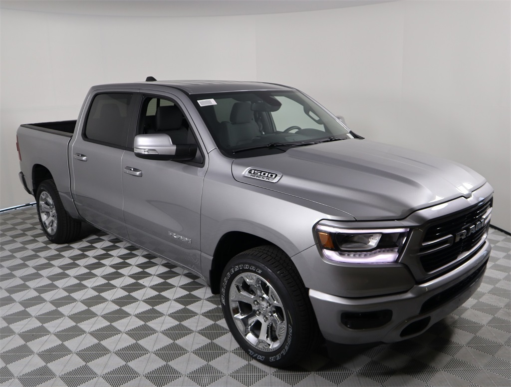 2019 Ram 1500 Crew Cab 4x2,  Pickup #9D00125 - photo 3