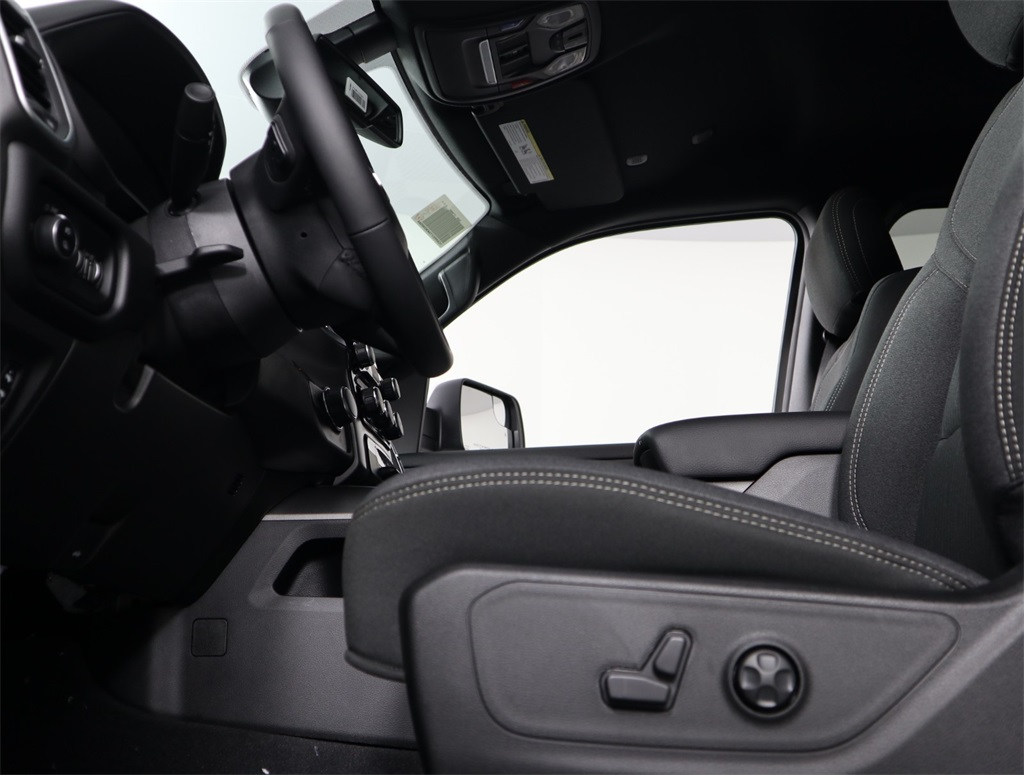 2019 Ram 1500 Crew Cab 4x2,  Pickup #9D00125 - photo 6