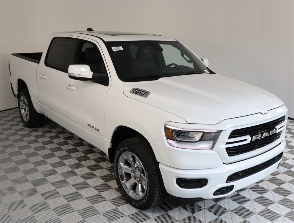 2019 Ram 1500 Crew Cab 4x2,  Pickup #9D00136 - photo 4