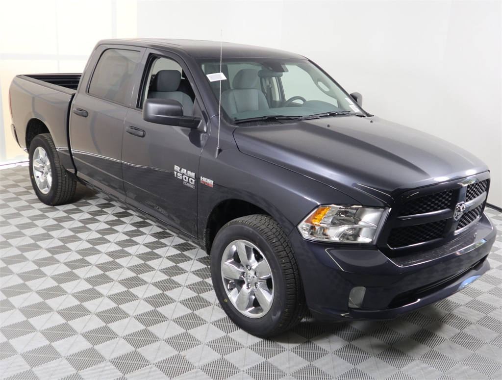2019 Ram 1500 Crew Cab 4x2,  Pickup #9D00310 - photo 1