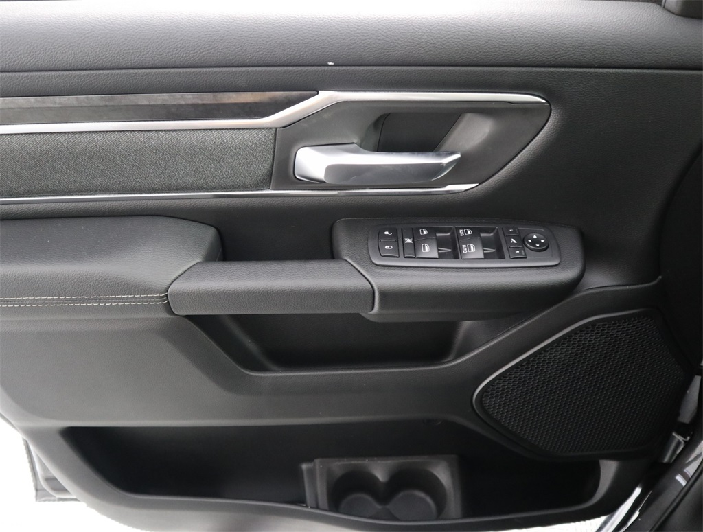 2019 Ram 1500 Crew Cab 4x2,  Pickup #9D00322 - photo 15