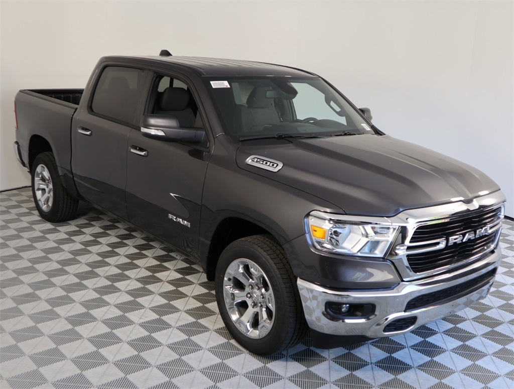 2019 Ram 1500 Crew Cab 4x2,  Pickup #9D00322 - photo 3