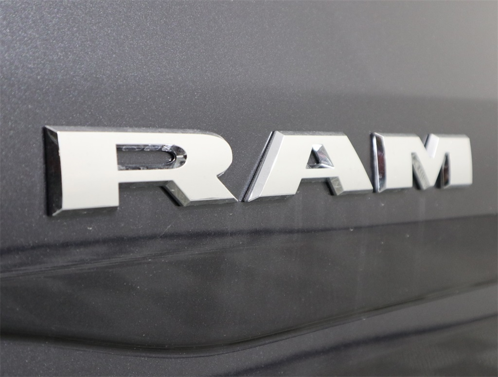 2019 Ram 1500 Crew Cab 4x2,  Pickup #9D00332 - photo 9