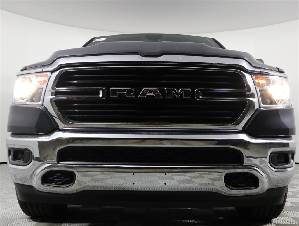 2019 Ram 1500 Crew Cab 4x2,  Pickup #9D00340 - photo 4
