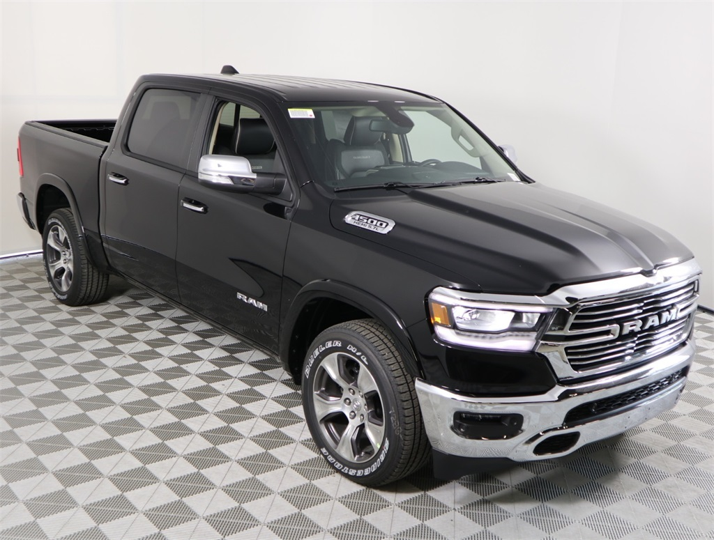 2019 Ram 1500 Crew Cab 4x2,  Pickup #9D00371 - photo 3