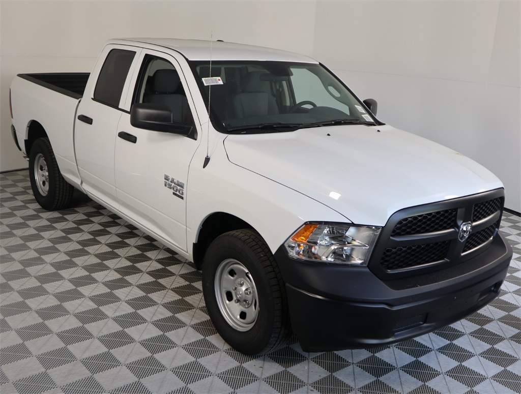 2019 Ram 1500 Quad Cab 4x2,  Pickup #9D00393 - photo 3