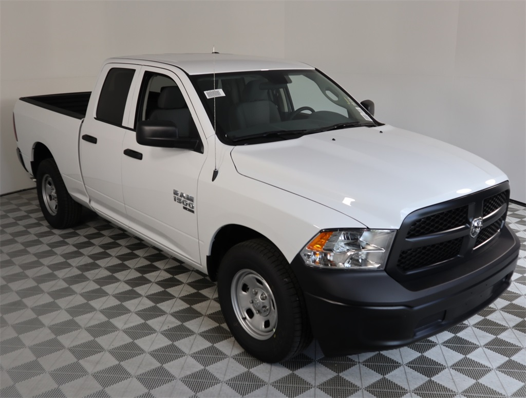 2019 Ram 1500 Quad Cab 4x2,  Pickup #9D00400 - photo 3