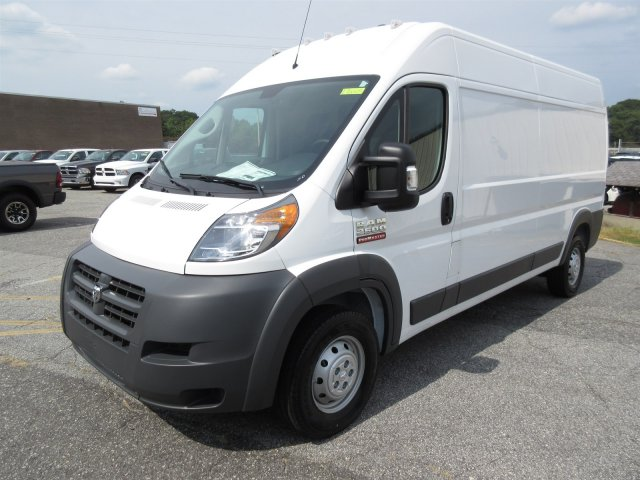 2017 ProMaster 2500 High Roof Cargo Van #170065 - photo 4