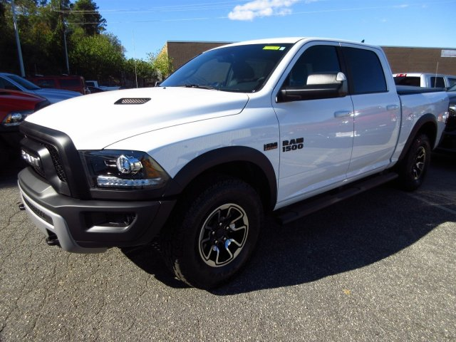 2017 Ram 1500 Crew Cab 4x4, Pickup #17132 - photo 3