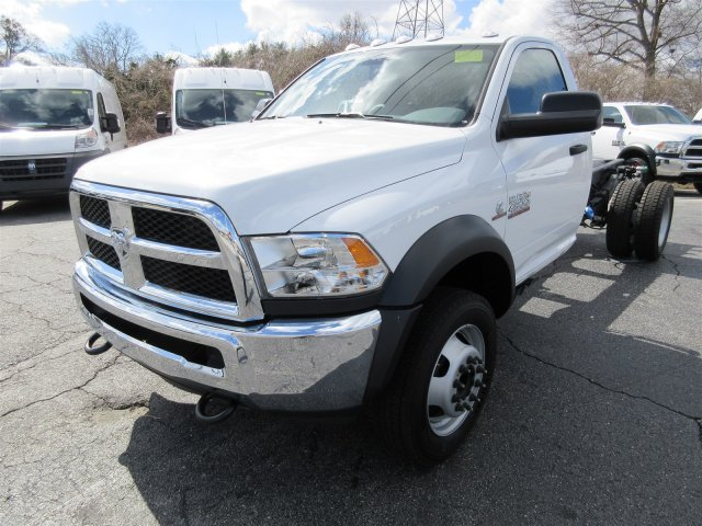 2017 Ram 4500 Regular Cab DRW 4x4 Cab Chassis #17631 - photo 3