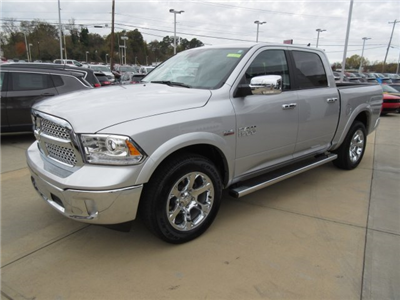 2017 Ram 1500 Crew Cab 4x4 Pickup #17771 - photo 3