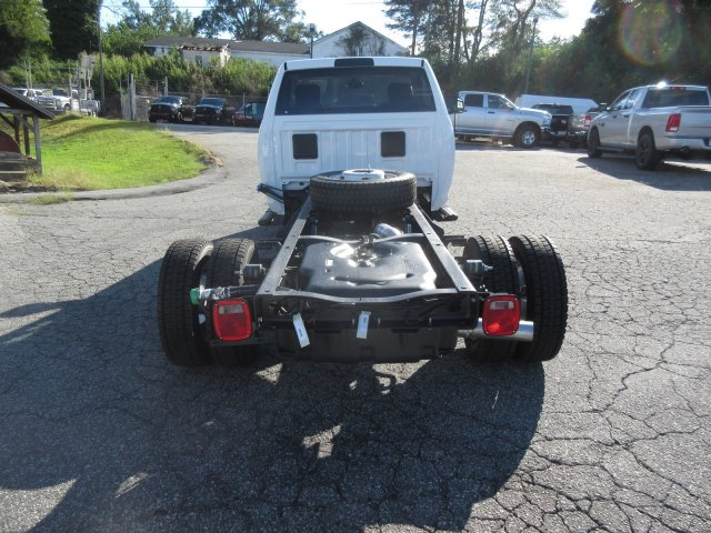 2018 Ram 5500 Regular Cab DRW 4x4,  Cab Chassis #180157 - photo 10