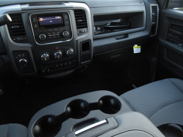 2018 Ram 3500 Crew Cab DRW 4x4 Pickup #18138 - photo 10