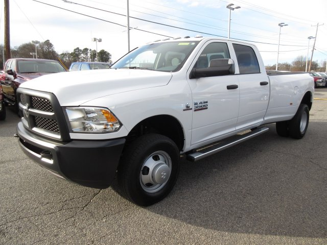2018 Ram 3500 Crew Cab DRW 4x4 Pickup #18285 - photo 3