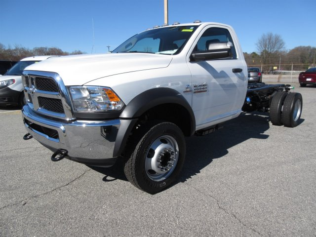 2018 Ram 5500 Regular Cab DRW, Cab Chassis #18537 - photo 3