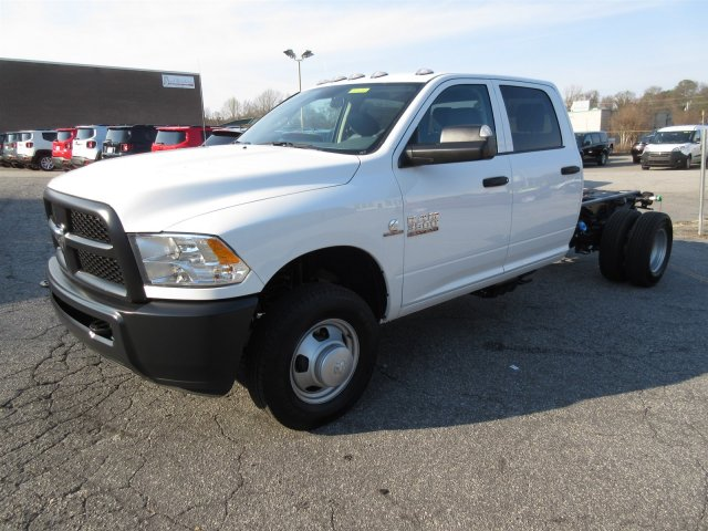 2018 Ram 3500 Crew Cab DRW, Cab Chassis #18576 - photo 3