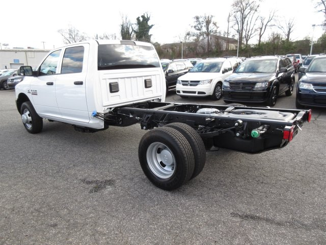 2018 Ram 3500 Crew Cab DRW, Cab Chassis #18646 - photo 4