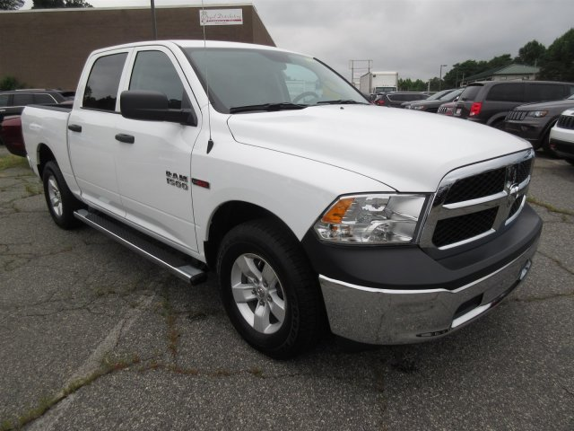 2018 Ram 1500 Crew Cab 4x2,  Pickup #18765 - photo 3