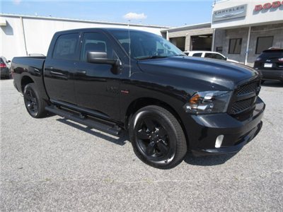 2018 Ram 1500 Crew Cab 4x4,  Pickup #18821 - photo 3