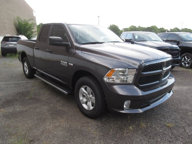 2018 Ram 1500 Quad Cab 4x2,  Pickup #18970 - photo 3