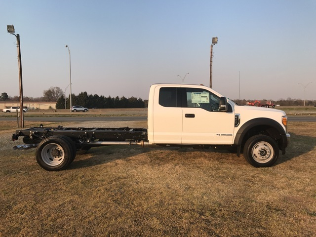 2017 F-450 Super Cab DRW 4x4, Cab Chassis #177881 - photo 4
