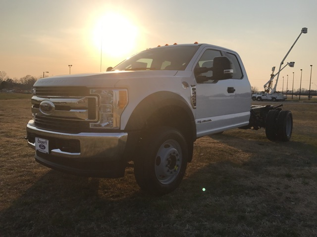 2017 F-450 Super Cab DRW 4x4, Cab Chassis #177881 - photo 3