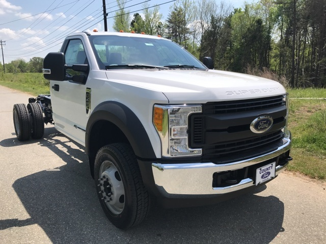 2017 F-450 Regular Cab DRW, Cab Chassis #177938 - photo 4
